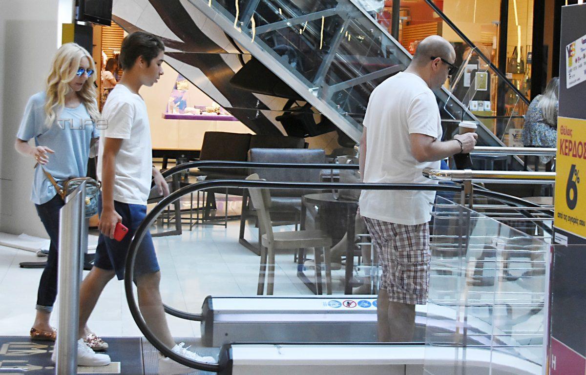 Μάρκος Σέφερλης – Έλενα Τσαβαλιά: Οικογενειακή έξοδος με τον γιο τους σε γνωστό εμπορικό κέντρο [pics] | tlife.gr