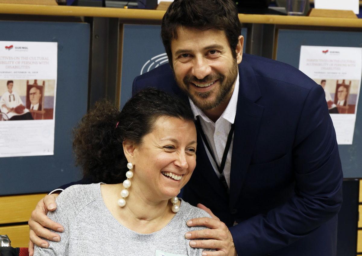 Αλέξης Γεωργούλης: Διοργάνωσε με επιτυχία την πρώτη του ημερίδα στις Βρυξέλλες! [pics] | tlife.gr