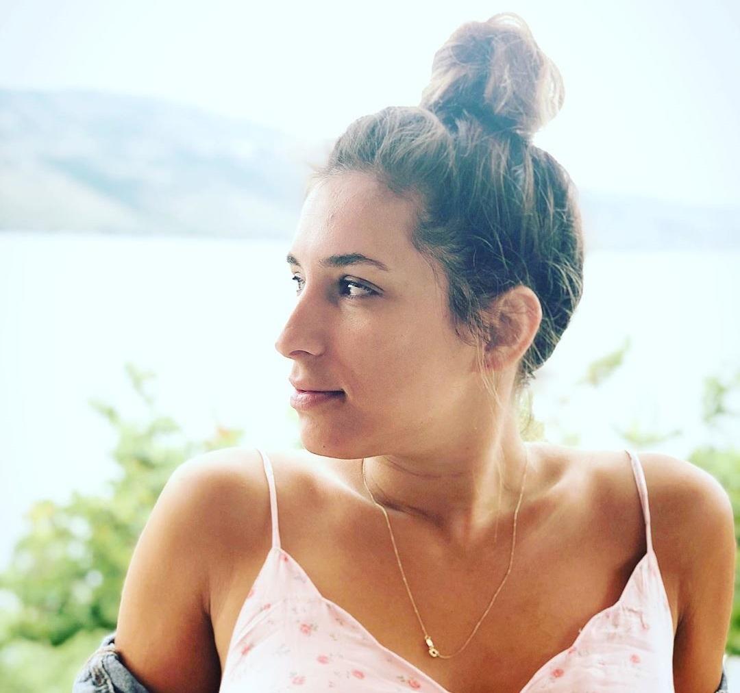 Αντιγόνη Ψυχράμη: Ποζάρει με τον Γιώργο Νταλάρα, 22 χρόνια μετά το τραγούδι «Με λένε Πόπη»! [pic] | tlife.gr