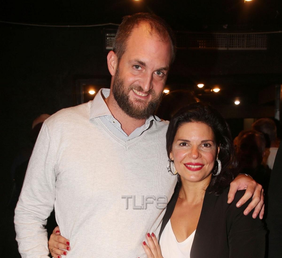 Μαρίνα Ασλάνογλου: Πρεμιέρα στο θέατρο με τον γοητευτικό άντρα της στο πλευρό της! Φωτογραφίες