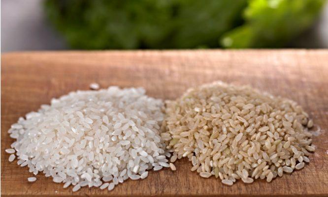 Ρύζι λευκό ή καστανό; Ποιο είναι πιο υγιεινό – Διαφορές, διαβήτης και πιθανοί κίνδυνοι | tlife.gr