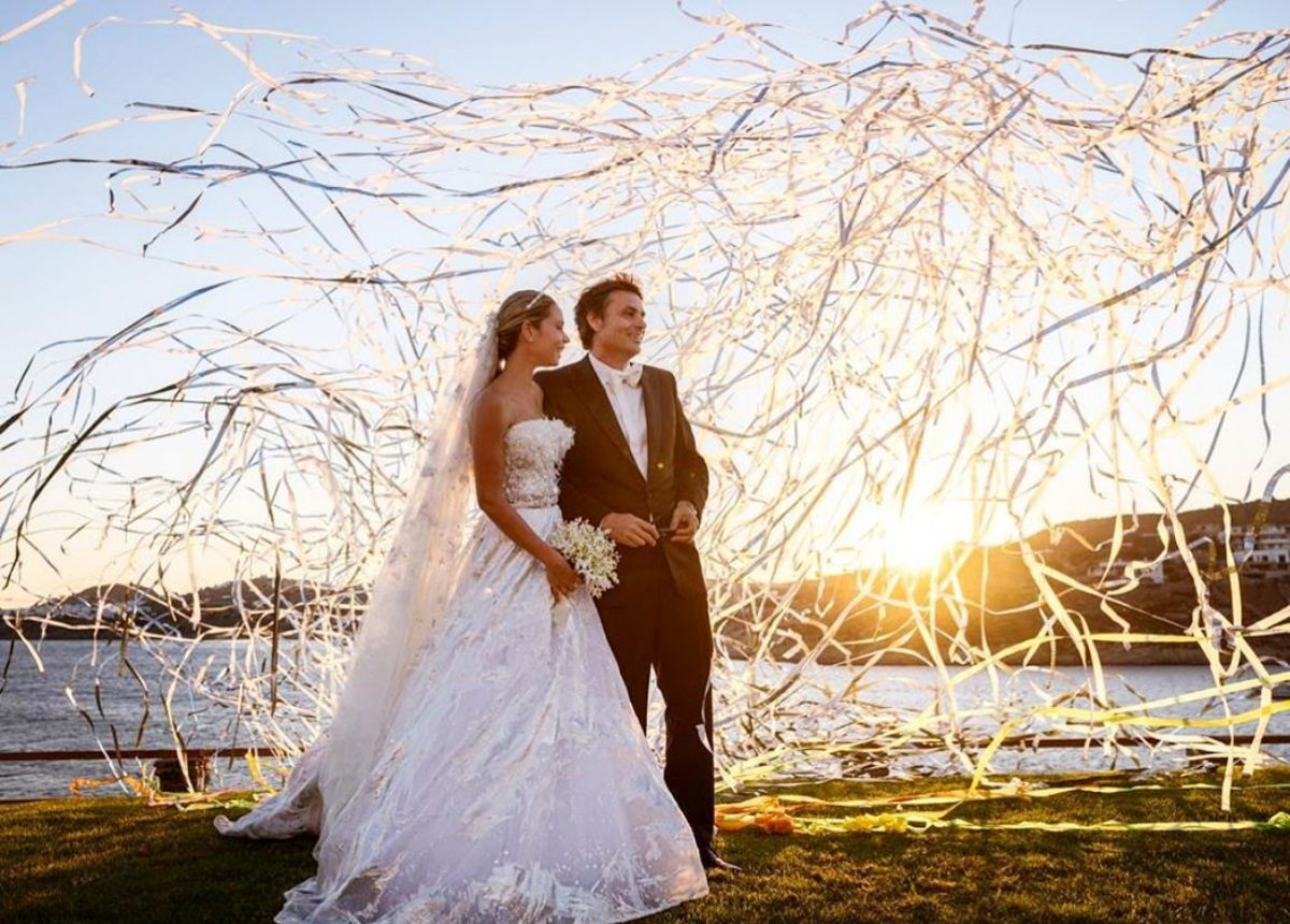 Σήλια Κριθαριώτη: Το συγκινητικό μήνυμα για το γάμο του αδελφού της! | tlife.gr