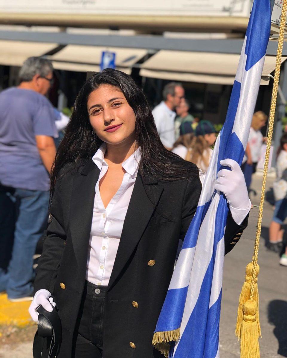 Η σημαιοφόρος είναι κόρη γνωστού Έλληνα ηθοποιού! [pics] | tlife.gr