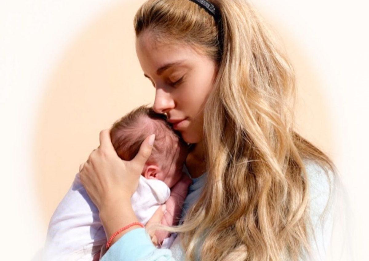 Δούκισσα Νομικού: Αποκάλυψε την δυσκολία που βιώνει μετά τη γέννηση της κόρης της! | tlife.gr