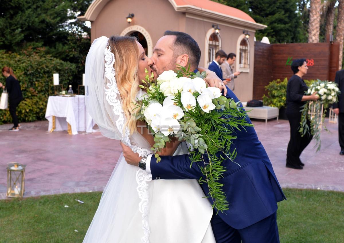 Μαίρη Αρώνη – Σπύρος Σιγούρος: Το φωτογραφικό άλμπουμ του γάμου τους! [pics]
