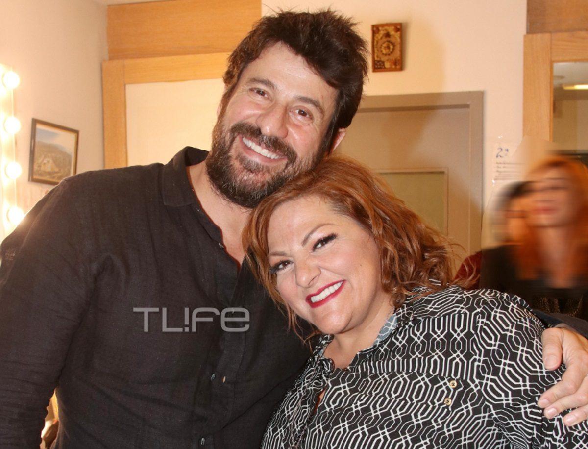 Αλέξης Γεωργούλης: Στο πλευρό της Βίκυς Σταυροπούλου στην πρεμιέρα της στο θέατρο [pics] | tlife.gr