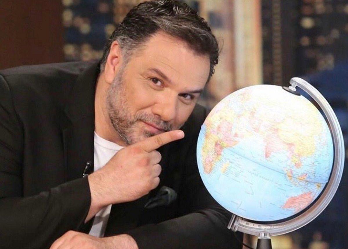 Γρηγόρης Αρναούτογλου: Αυτή είναι η πρώτη καλεσμένη του στο The 2night Show | tlife.gr