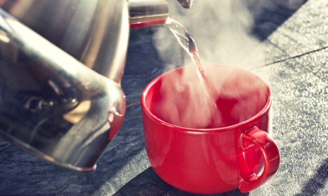 Τι κερδίζεις όταν πίνεις ζεστό νερό – Σε τι θερμοκρασία πρέπει να φτάνει   tlife.gr