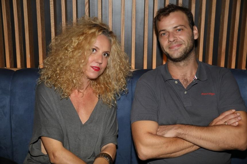 Ορέστης Τζιόβας – Κατερίνα Φλώρου: Ρομαντικό δείπνο στο κέντρο της Αθήνας! | tlife.gr