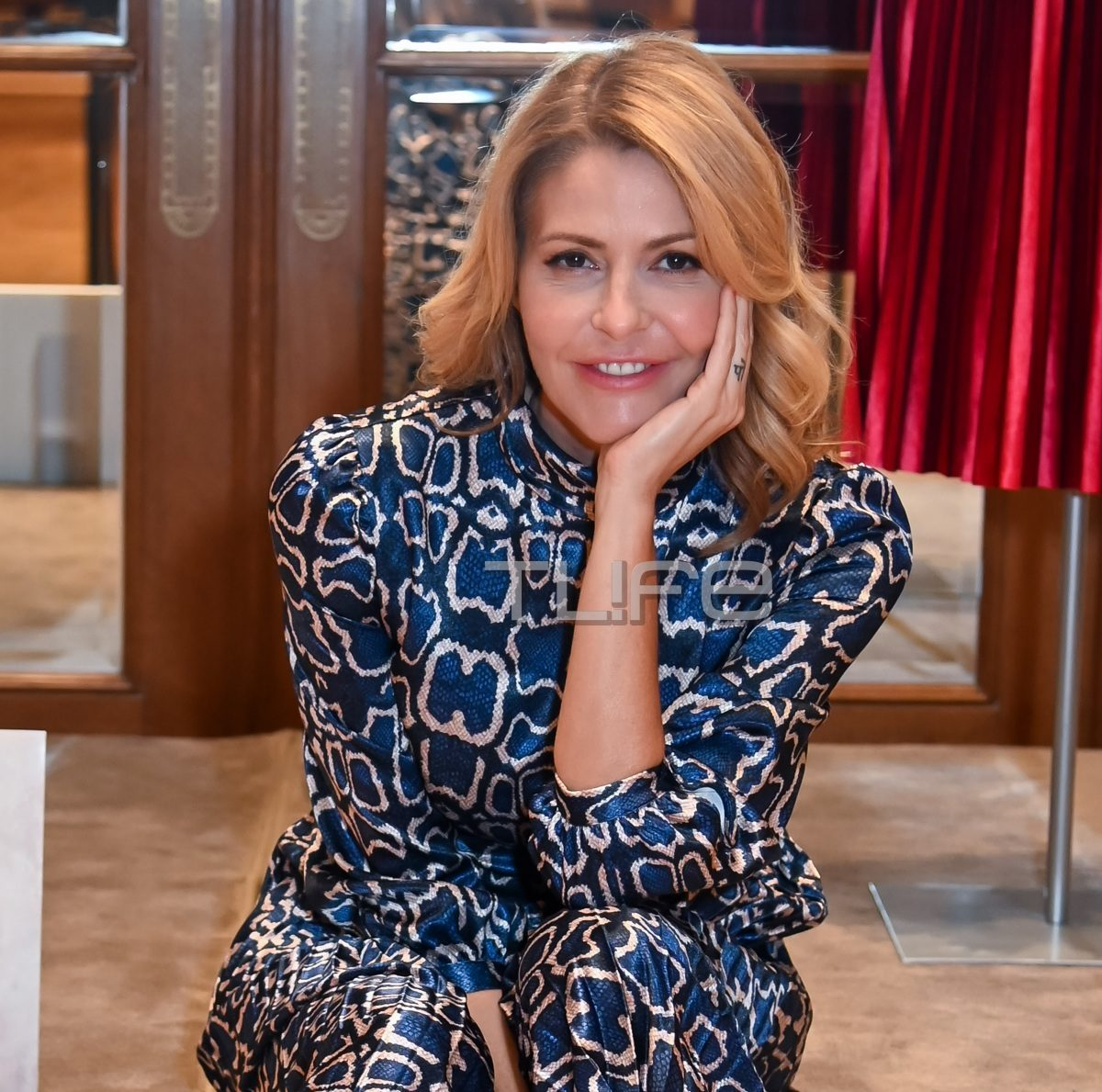 Tζένη Μπαλατσινού: Ποζάρει με τα αγαπημένα της κομμάτια απο τη νέα συλλογή γνωστού brand! Φωτογραφίες | tlife.gr