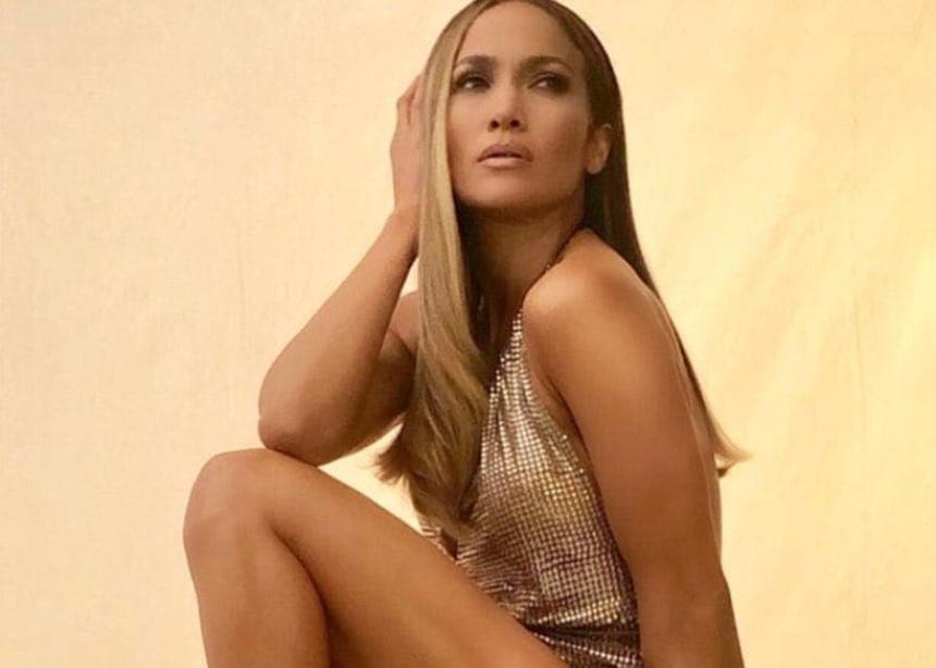 Η Jennifer Lopez φοράει εντυπωσιακή δημιουργία της Celia Kritharioti! | tlife.gr