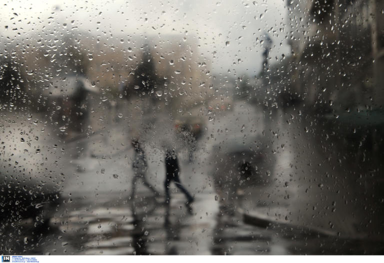 """Καιρός: """"Σαρώνουν"""" την χώρα βροχές και καταιγίδες – Σε ποιες περιοχές θα χτυπήσει η κακοκαιρία"""