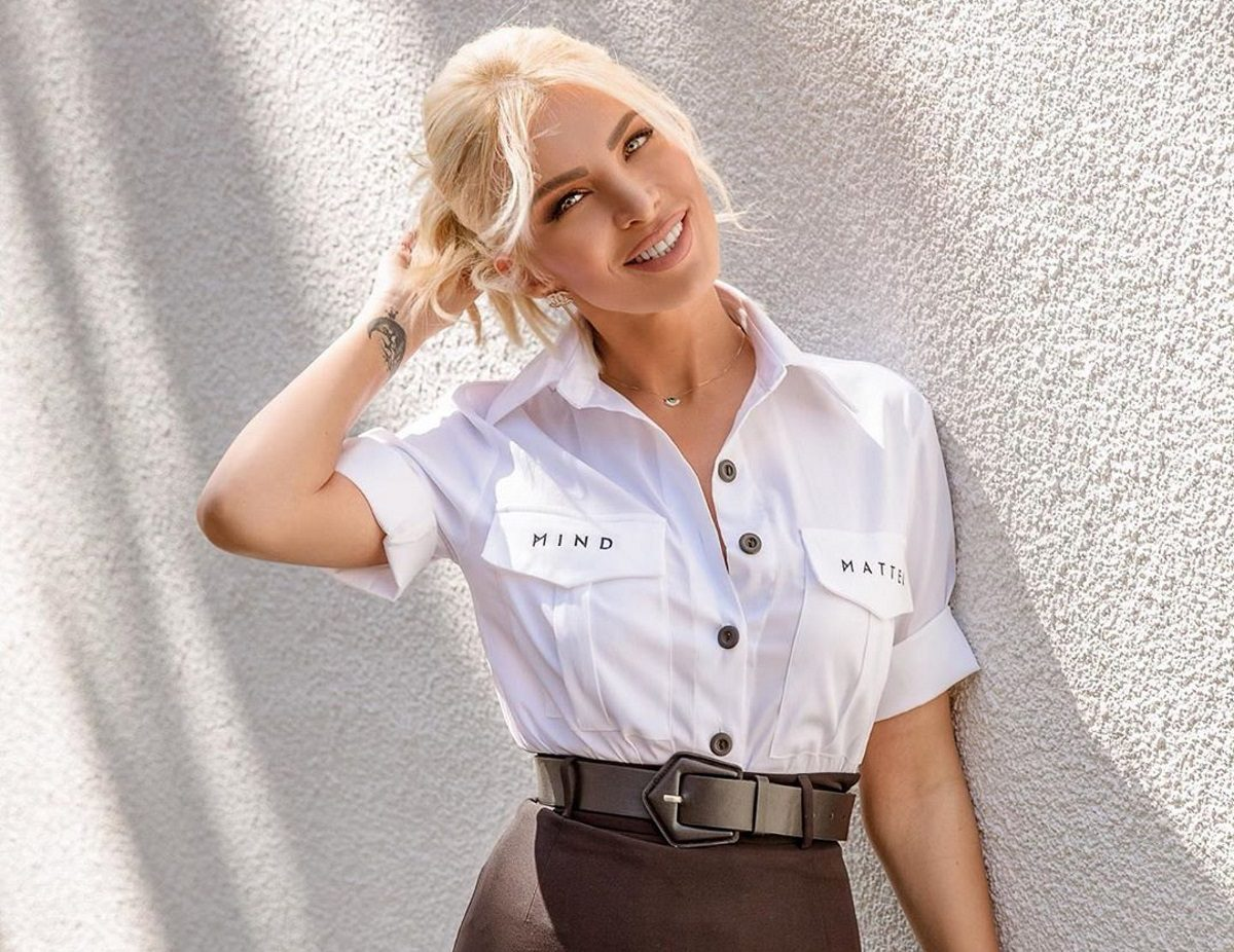 Κατερίνα Καινούργιου: Φοράει αθλητικά και γυμνάζεται… στον αέρα [pic] | tlife.gr