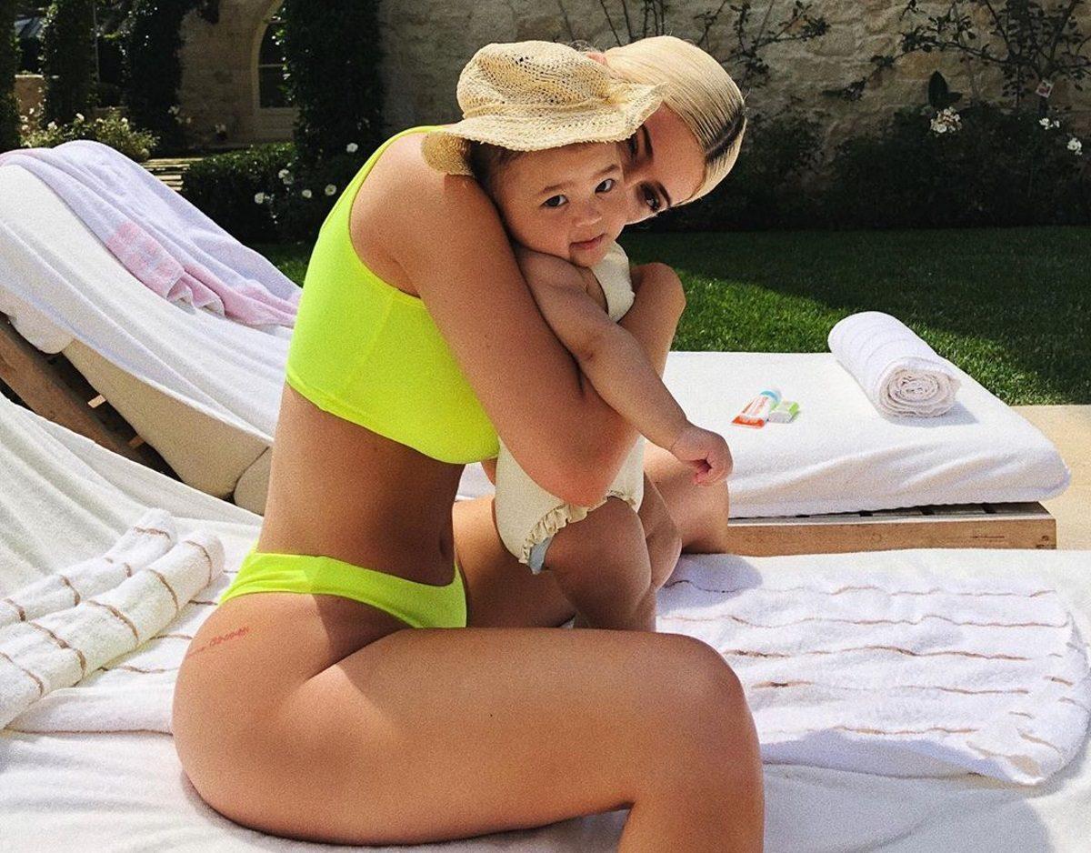 Kylie Jenner: Η κόρη της χορεύει με τα τραγούδια του ράπερ μπαμπά της και κλέβει την παράσταση! Video | tlife.gr
