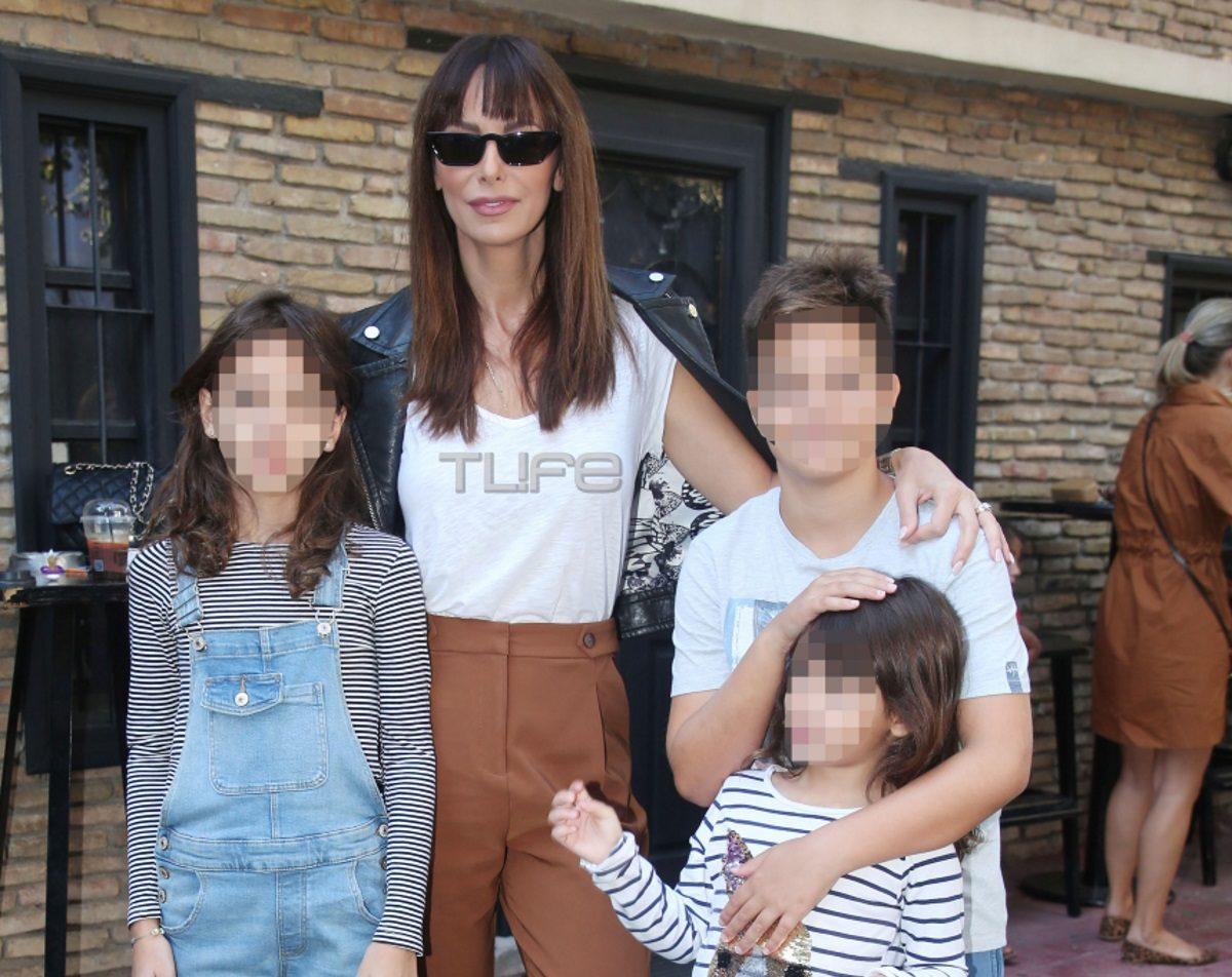 Μπέττυ Μαγγίρα: Έξοδος στο θέατρο μαζί με τις κόρες της [pics] | tlife.gr