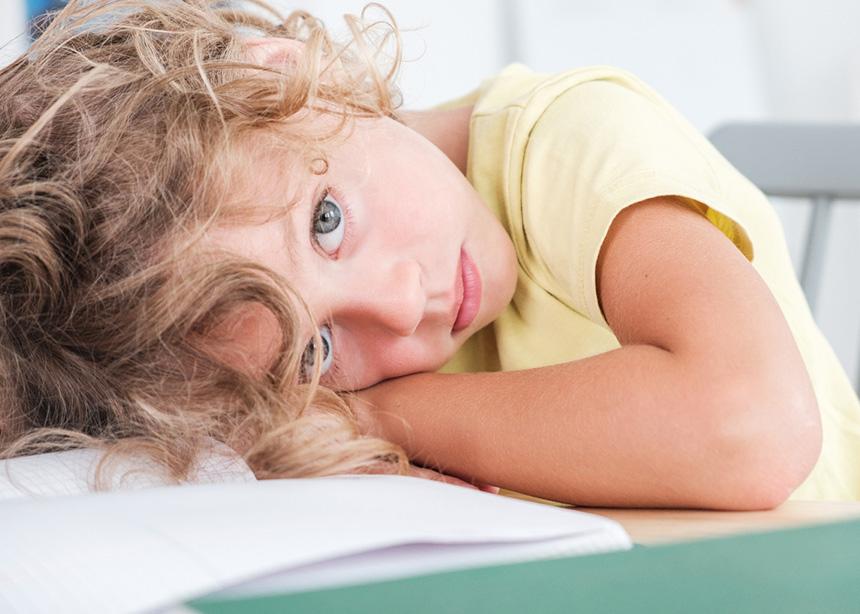 Γιατί στέλνεις το άρρωστο παιδί σου στο σχολείο; Δεν είναι σωστό… | tlife.gr