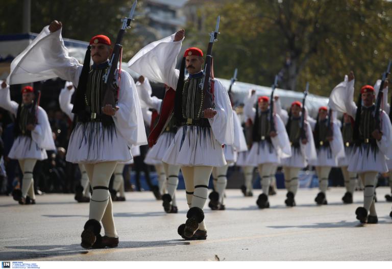 28η Οκτωβρίου: Η εντυπωσιακή έναρξη της μεγάλης στρατιωτικής παρέλασης | tlife.gr