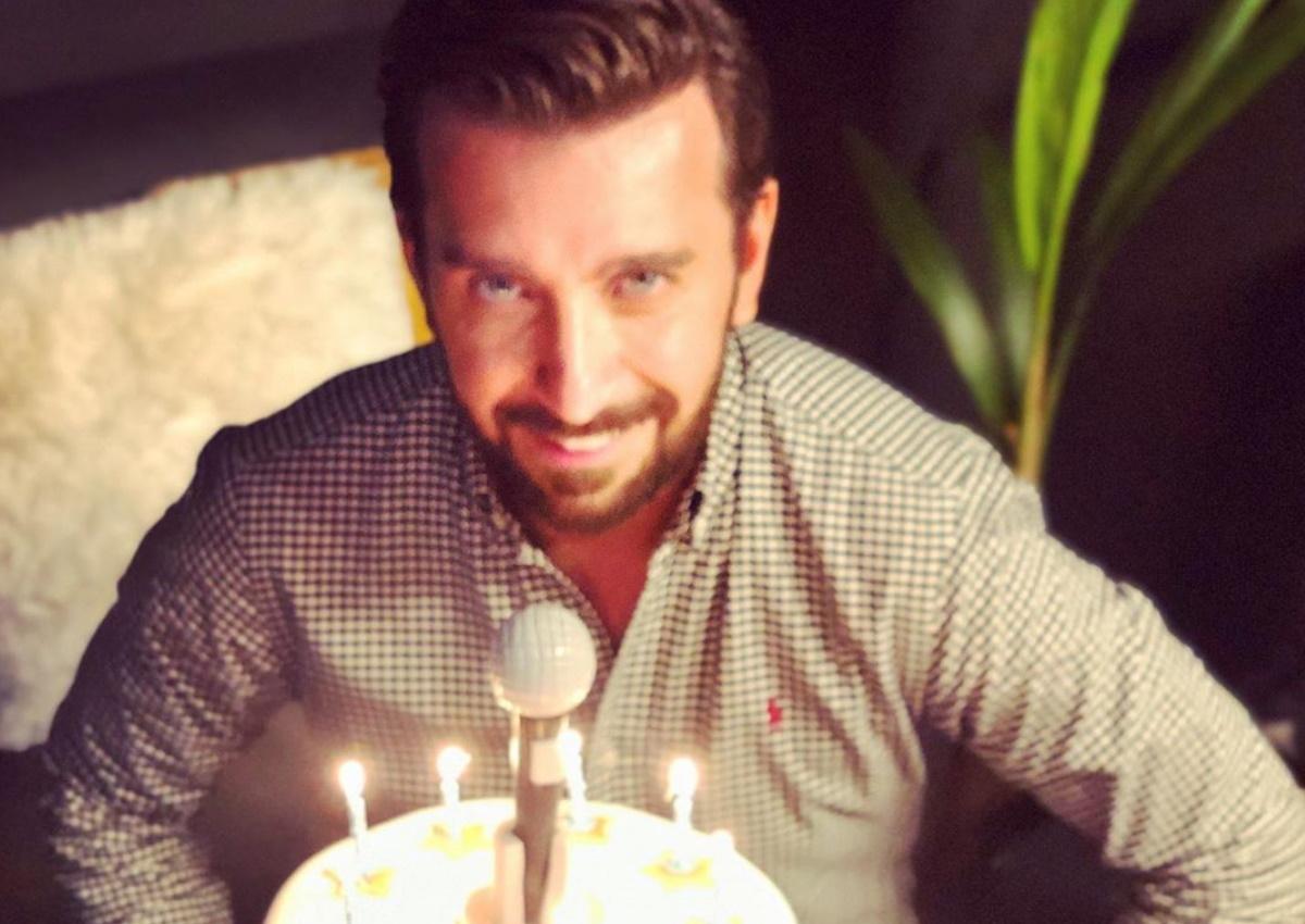 Γενέθλια για τον Θάνο Πετρέλη: Η έκπληξη από Πανταζή-Καλίδη-Tus και η τούρτα υπερπαραγωγή [pics,video]
