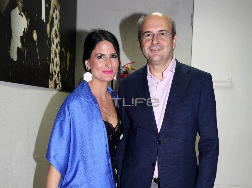 Κωστής Χατζηδάκης: Βραδινή έξοδος με την γοητευτική σύζυγο του Πόπη! Φωτογραφίες   tlife.gr