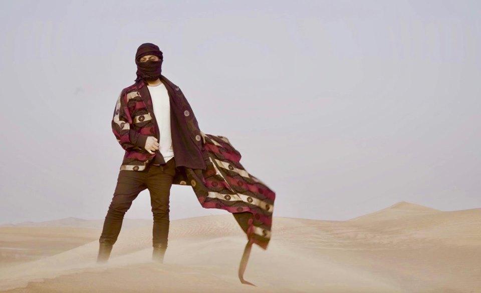 Κάτω από αντίξοες συνθήκες τα γυρίσματα του video clip γνωστού λαϊκού τραγουδιστή στο Ντουμπάι! [pics]   tlife.gr