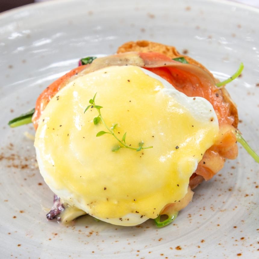 Σπιτικά αυγά μπενεντίκτ