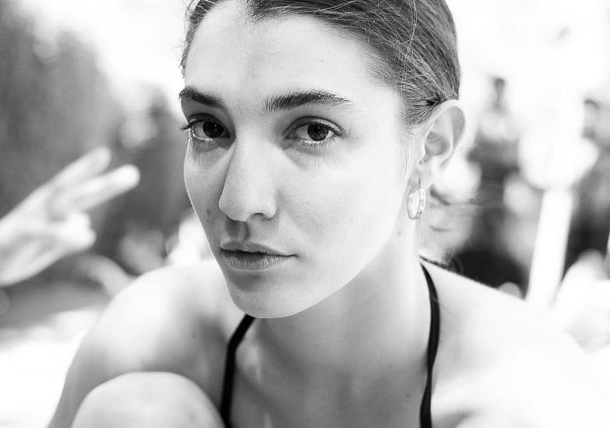 Σοφίνα Λαζαράκη: Μας δείχνει τα κατεστραμμένα από το χορό πόδια της [pic]