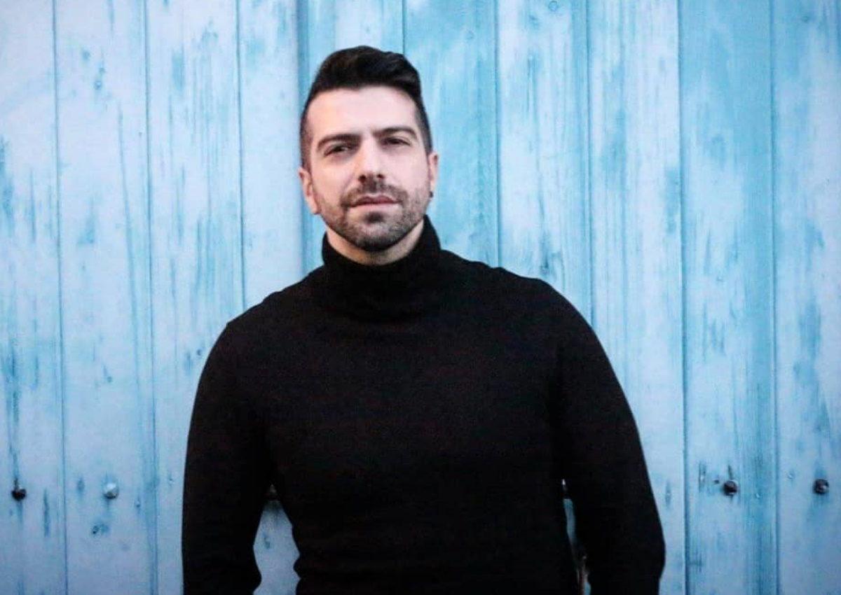Δημήτρης Τσακάλας: Συντετριμμένος από τον θάνατο αγαπημένου του προσώπου | tlife.gr