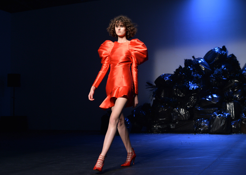 Back to romance: To Couture show των Mi-Ro | tlife.gr