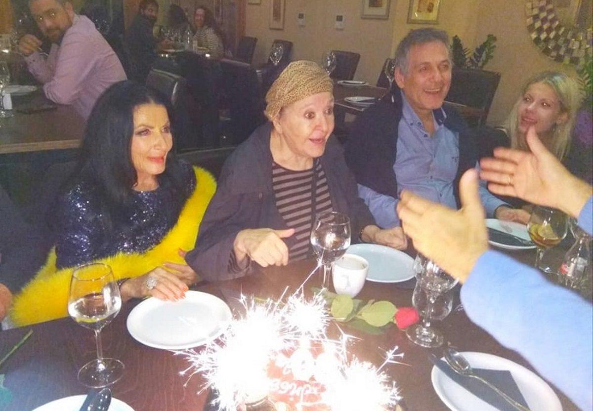 Μάρθα Καραγιάννη: Γιόρτασε τα γενέθλιά της με αγαπημένους της φίλους στο πλευρό της! [pics] | tlife.gr
