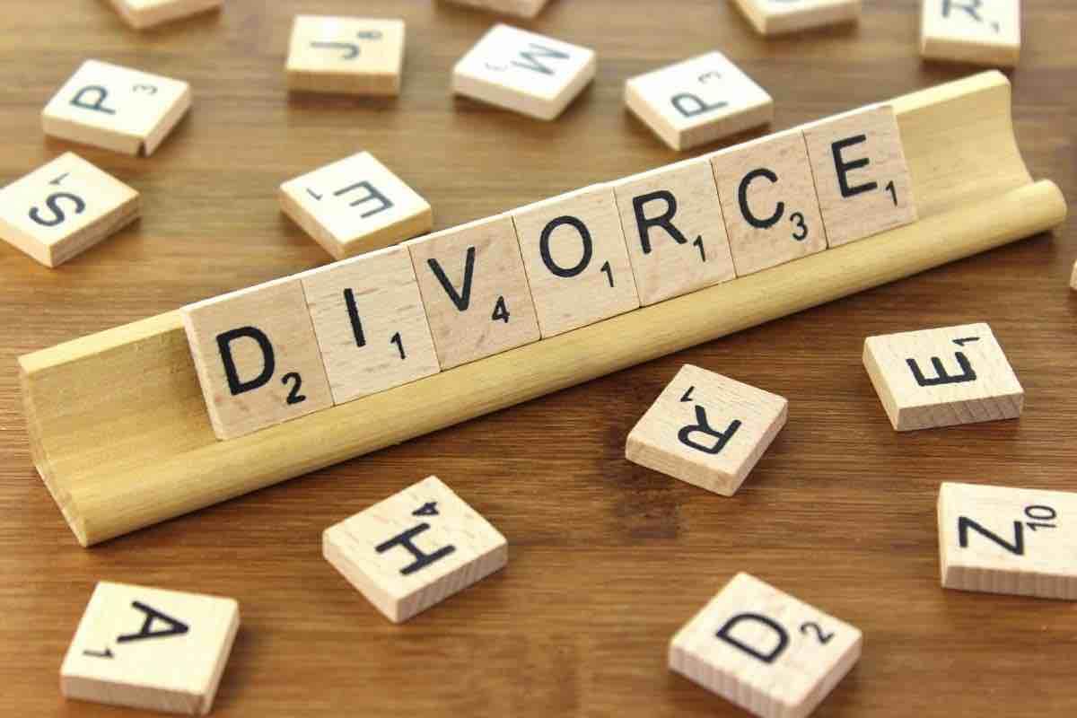 Είναι επίσημο! Το διάσημο ζευγάρι πήρε διαζύγιο
