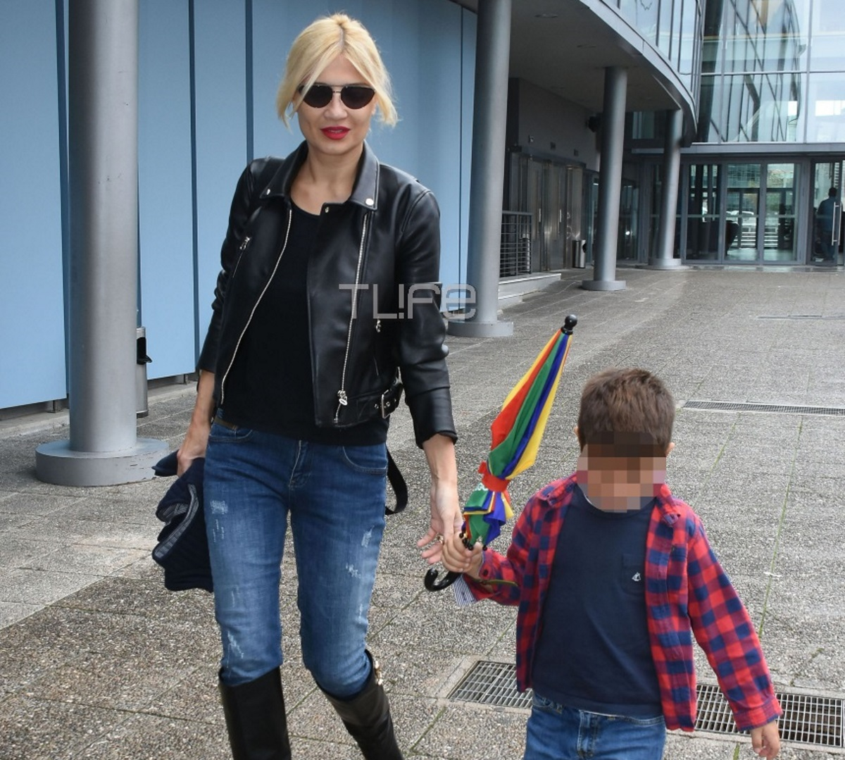 Φαίη Σκορδά: Full time μητέρα! Στο θέατρο με τον μικρότερο γιο της, Δημήτρη [pics]