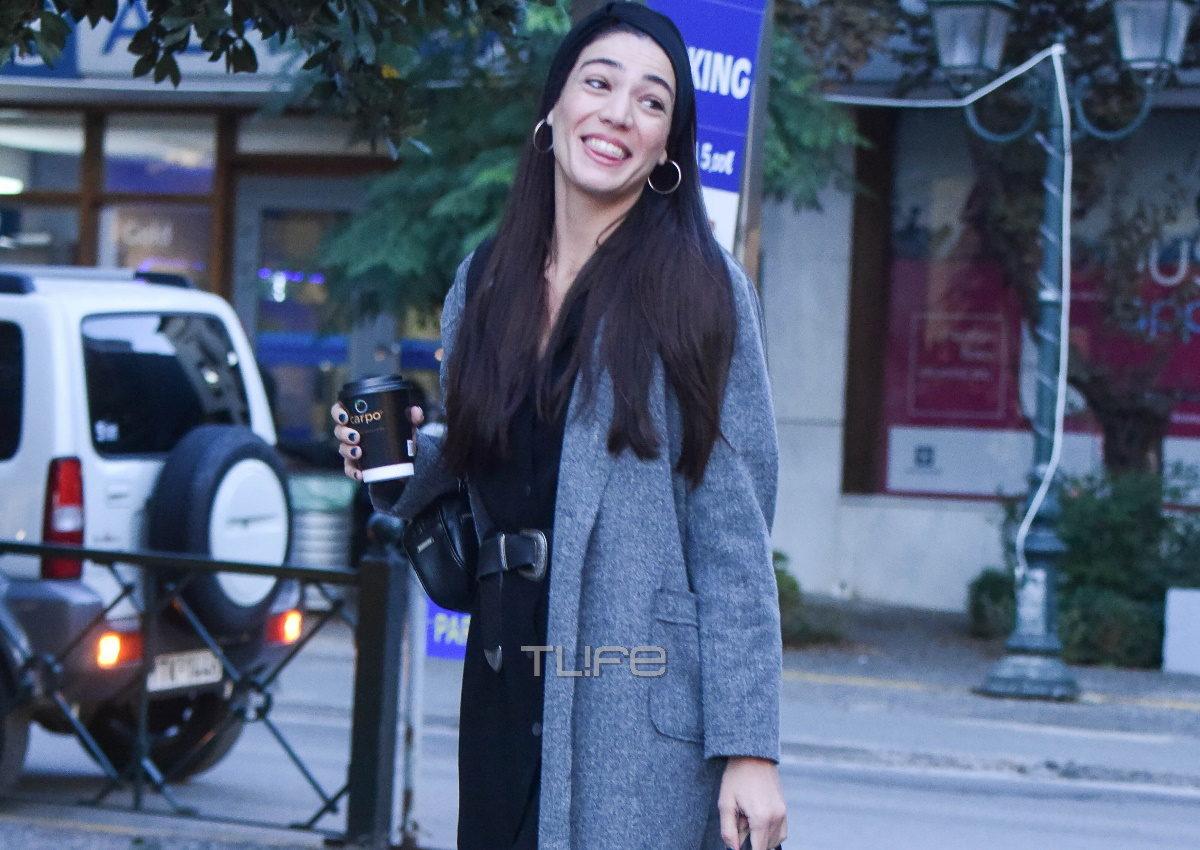Ήβη Αδάμου: Πρωινή βόλτα για αγορές στην Κηφισιά με casual look! [pics] | tlife.gr