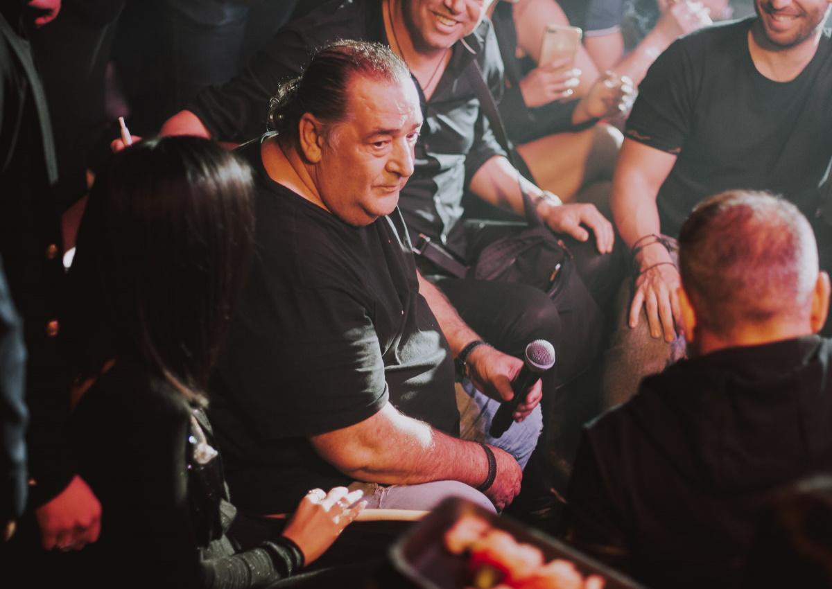 Λένα Ζευγαρά: Ο Βασίλης Καρράς την απόλαυσε επί σκηνής και διασκέδασε με τις επιτυχίες της! [pics,video]