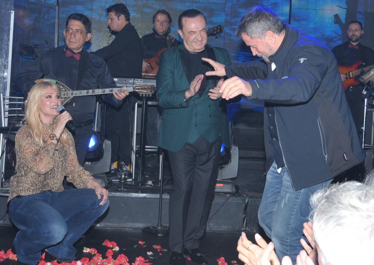 Σπύρος Παπαδόπουλος: Το γλέντι με τη Νατάσα Θεοδωρίδου στον Λευτέρη Πανταζή και το βαρύ ζεϊμπέκικο! [video]