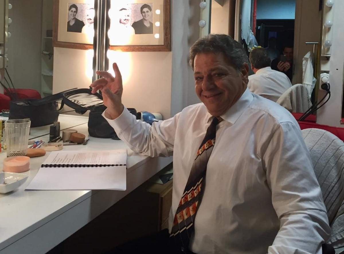 """Γιώργος Παρτσαλάκης: Γιόρτασε τα γενέθλια του στις """"8 Λέξεις""""! Πόσο έγινε;"""