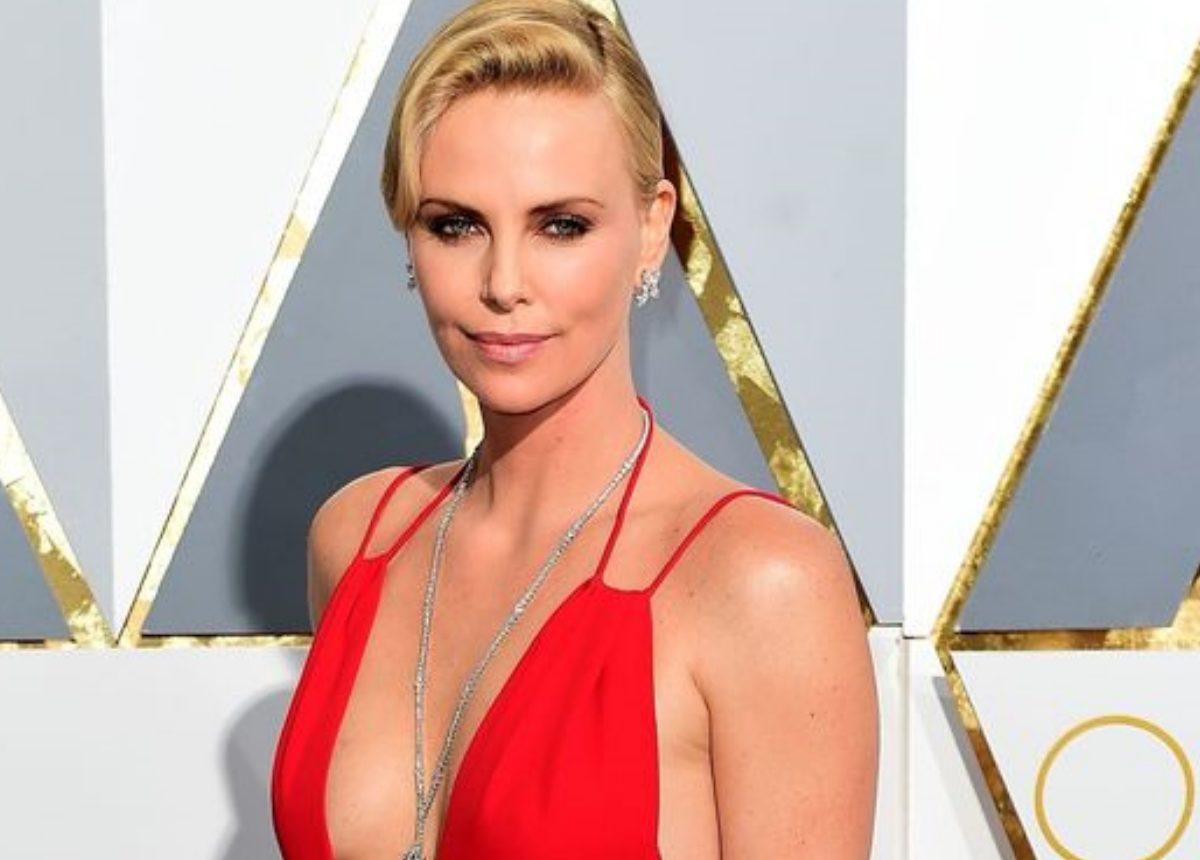 Charlize Theron: Η ανατρεπτική δήλωσή της για την ουδετερότητα των φύλων στα βραβεία!   tlife.gr