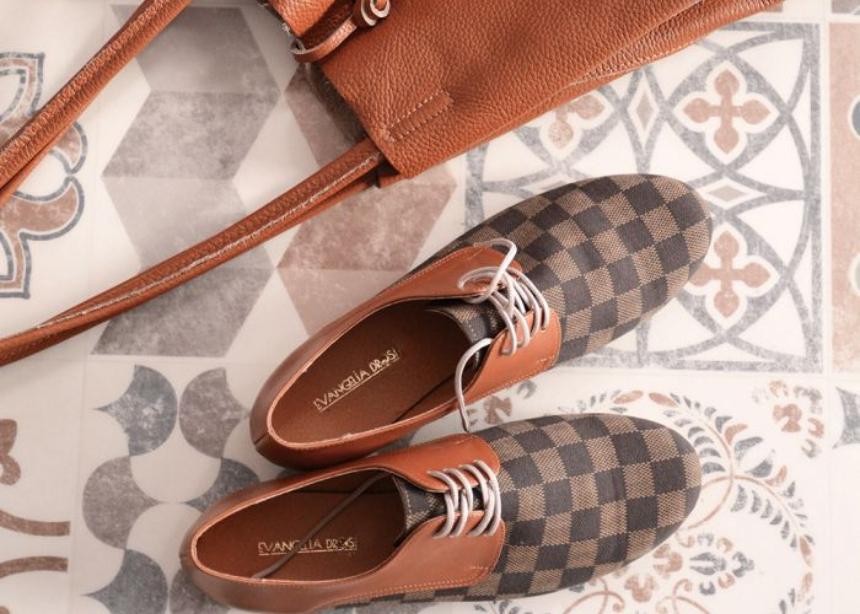 Αυτή η σειρά με χειροποίητα παπούτσια και αξεσουάρ θα σε εντυπωσιάσει! | tlife.gr