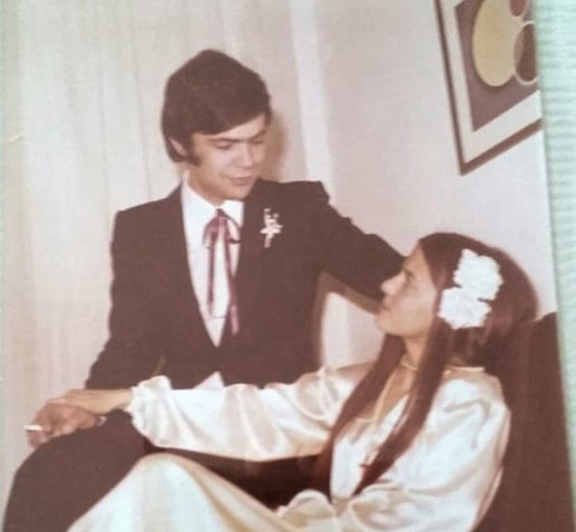 Θοδωρής Μαραντίνης: Η απίστευτη ομοιότητα με τον πατέρα του και οι φωτογραφίες από τον γάμο των γονιών του!