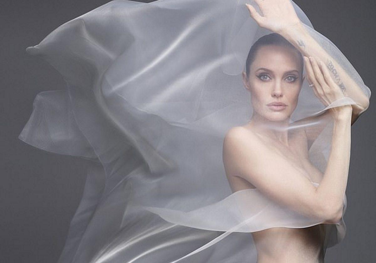 Angelina Jolie: Ποζάρει γυμνή στα 44! Τι αποκαλύπτει για τον Brad! Φωτογραφίες | tlife.gr