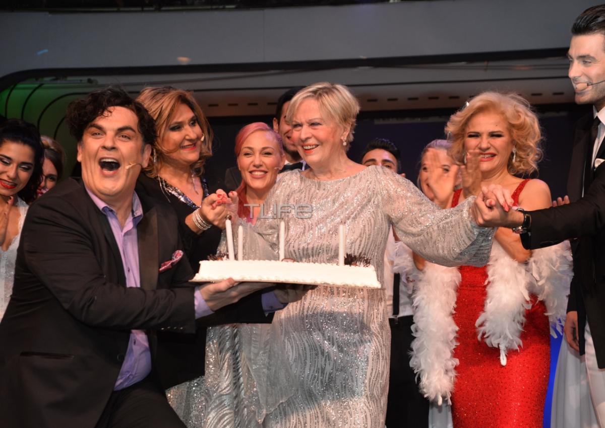 Έρρικα Μπρόγιερ: Γιόρτασε τα 77α γενέθλιά της στη σκηνή του Broadway! [pics]