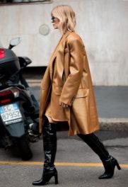 Παρίσι με camel παλτό