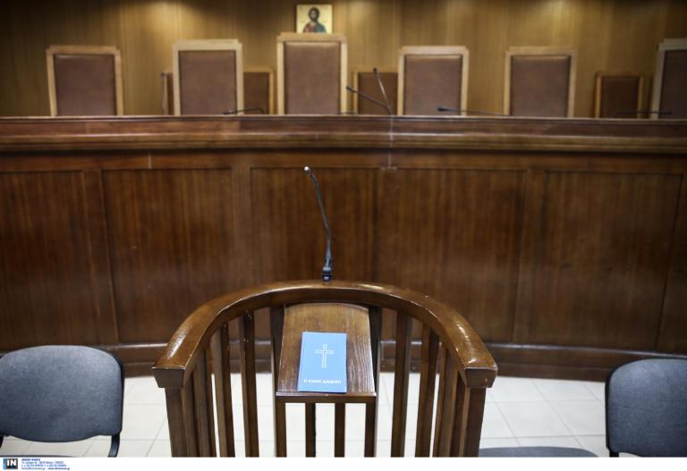 Επεισοδιακή δίκη οδηγού ταξί εναντίον ηθοποιού – Όλα όσα έγιναν στην αίθουσα | tlife.gr