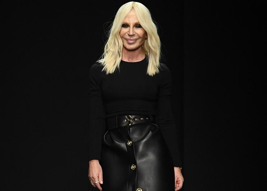 Δεν φαντάζεσαι τι παπούτσια φόρεσε η Donatella Versace  στο Thanksgiving!