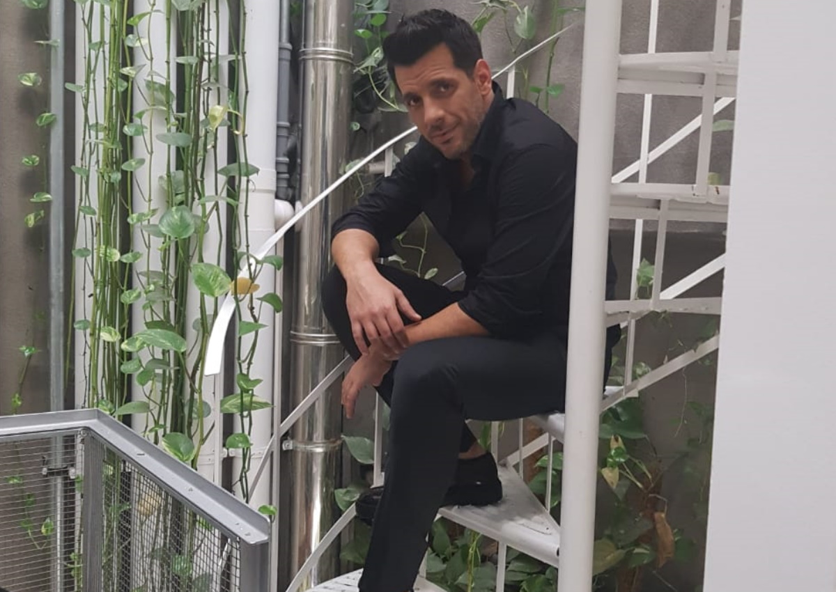 Θοδωρής Φέρρης: Μπήκαμε στα γυρίσματα του video clip της νέας του επιτυχίας «Ζήσε Τη Στιγμή» [pics]