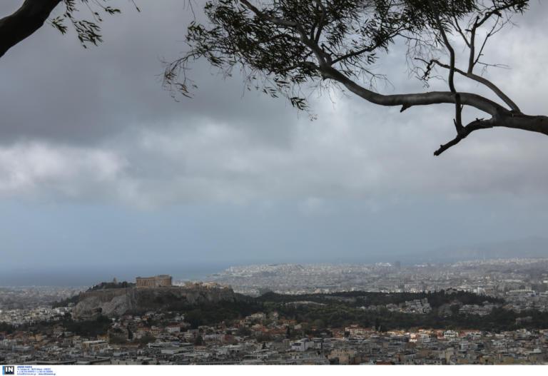 Καιρός αύριο: Δεν λένε να κοπάσουν οι βροχές | tlife.gr