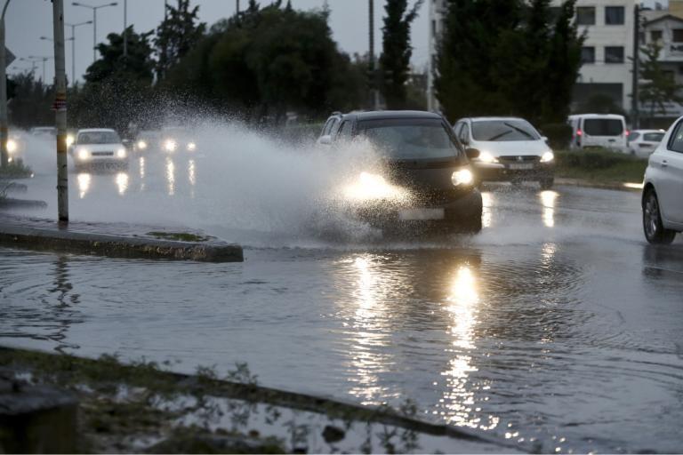 Καιρός αύριο: Τοπικές βροχές με σποραδικές καταιγίδες και… κουφόβραση!   tlife.gr