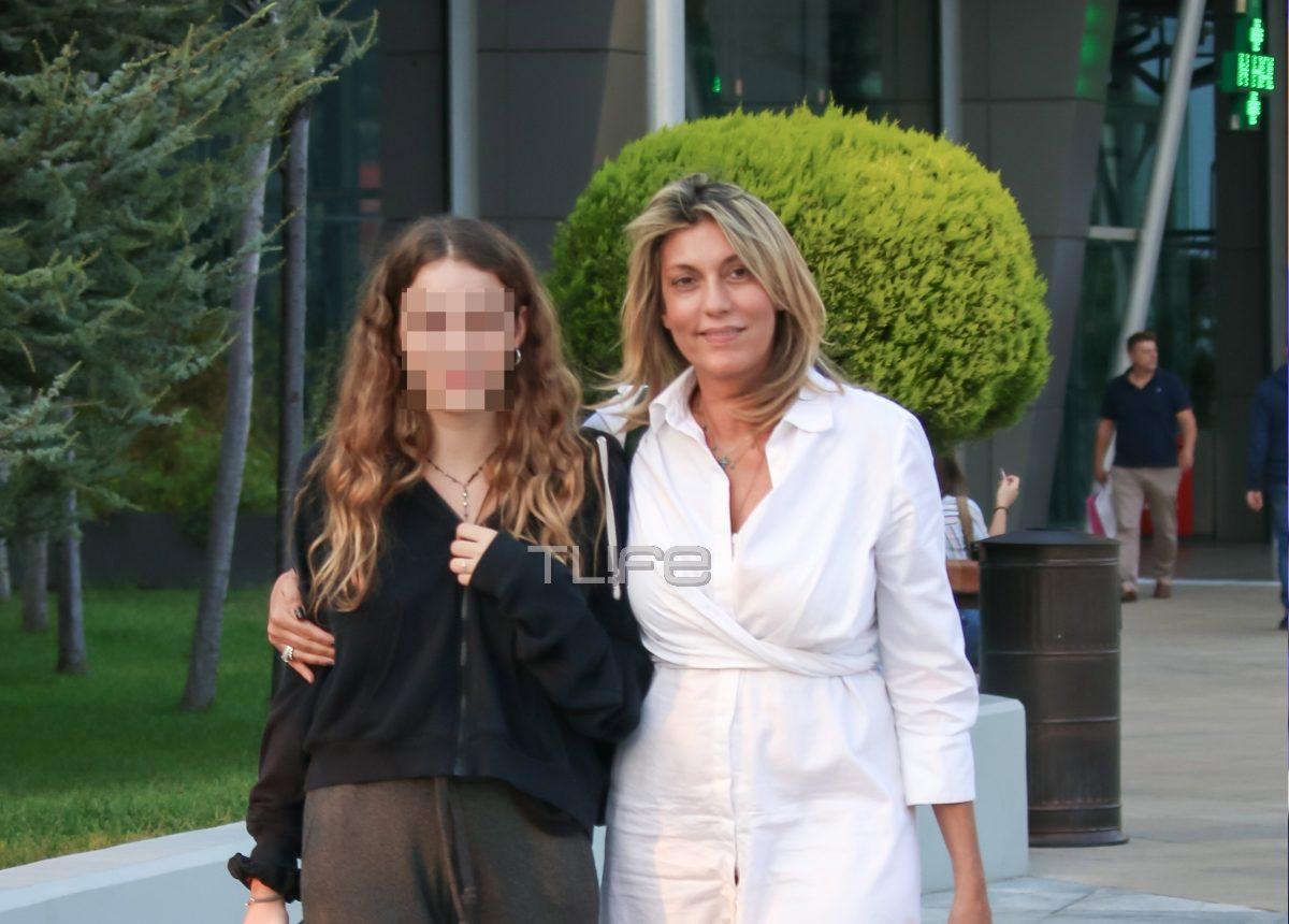 Άννα Καραμανλή: Σπάνια εμφάνιση με την 18χρονη κόρη της! [pics]   tlife.gr