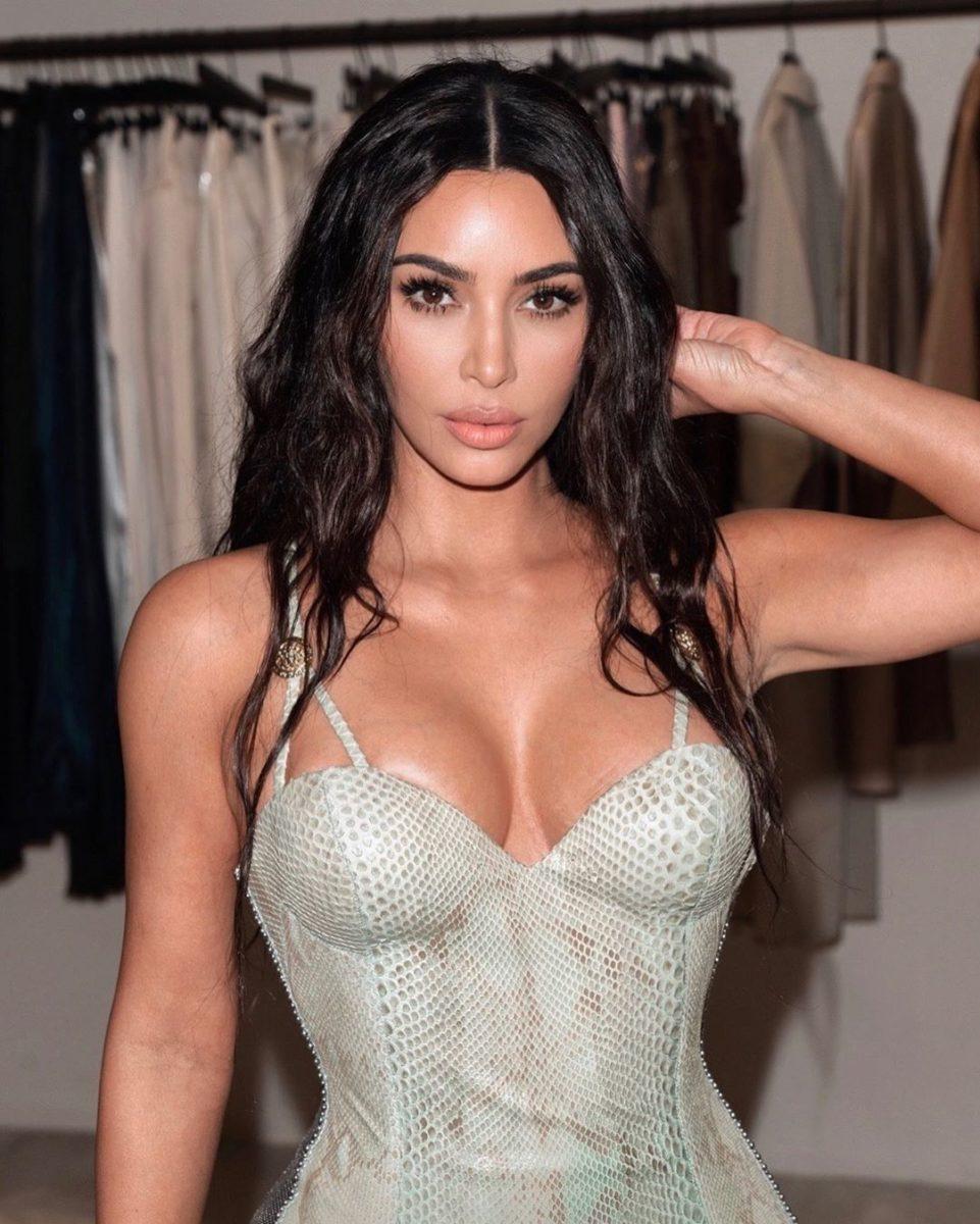 Η Kim Kardashian μόλις απέκτησε το καστανό χρώμα των ονείρων μας! | tlife.gr
