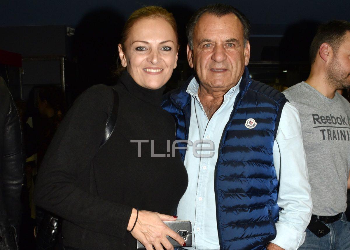 Χριστίνα Λαμπίρη: Σπάνια έξοδος στο θέατρο με τον σύζυγό της [pics] | tlife.gr