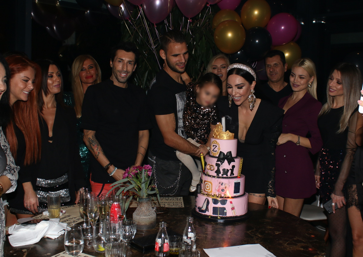 Ζέτα Θεοδωροπούλου: Το λαμπερό πάρτι γενεθλίων της και η τούρτα-υπερπαραγωγή! [pics]
